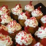 Cupcakes med saffran och vit choklad